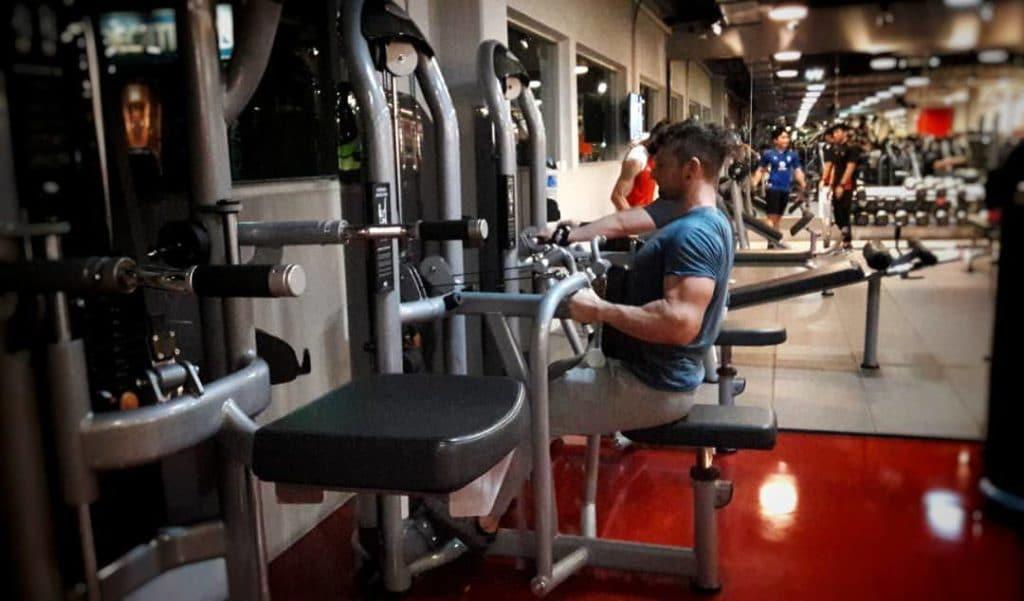 aumentare i muscoli con proteine whey e creatina monoidrato e arginina