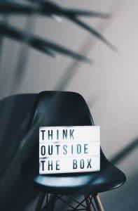 Quali sono le tecniche di pensiero laterale?