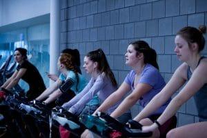 Quali sono i vantaggi di un allenamento con la cyclette?